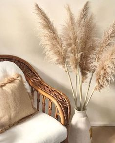 Pampas Grass For Sale! Our beautiful extra large Pampas grass. This beautiful and unique pampas grass is the perfect decor that brings warmth and harmony into your home. The ideal pampas grass to u. Living Room Designs, Living Room Decor, Bedroom Decor, Dining Room, Baby Bedroom, Grass Decor, Boho Deco, Beige Aesthetic, Boho Home