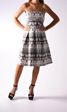 Στράπλες φόρεμα εμπριμέ