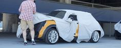 2014 Mini Cooper debut timed to honor birthday of its creator - Kelley Blue Book Mini Cooper Hardtop, British Celebrities, Life Car, Kelley Blue, Cars Uk, Paparazzi Photos, Blue Books, Small Cars, Video New