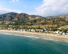 Discover exciting coastlines in Santa Monica and magnificent inland mountains in Malibu! All Malibu Discovery tours are designed to maximize your enjoyment. Southern California Beaches, Malibu Beaches, California Dreamin', Calabasas California, Tandem, Leo Carrillo State Beach, Places To Travel, Places To See, Road Trip