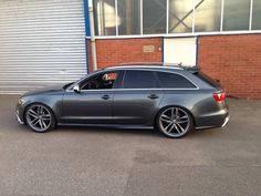 Audi RS 6 Avant...daddy has a cool wagon for taking mommy to shopping. :)