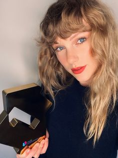 Taylor Swift News, Taylor Swift Pictures, Taylor Alison Swift, Live Taylor, Red Taylor, Divas, Claude Van Damme, Miss Americana, Taylor Swift Wallpaper