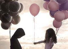 62 Whimsical Balloon Photoshoots - From Solemn Birthday Editorials to Supermodel Holiday Candids (TOPLIST)