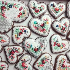 Pictures of lost world Heart Ornament, Traditional Outfits, Floral Lace, Folk, Pictures, Image, Photos, Popular, Fork
