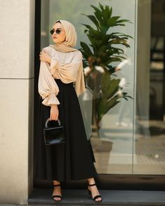 ✔ Cute Clothes For Teenage Girls Swag – Hijab Fashion 2020 Modest Fashion Hijab, Modern Hijab Fashion, Street Hijab Fashion, Hijab Fashion Inspiration, Hijab Chic, Islamic Fashion, Muslim Fashion, Skirt Fashion, Fashion Outfits