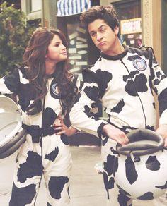 SelenaGomez and David Henrie cows :3