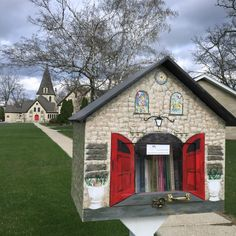 April 22, 2015 {112/365} Oconomowoc Little Free Library: I love this idea -- the books, the architecture, and the spirit of community! Now I'm on a mission to visit as many as I can. (C'est ma vie!: Little Free Library)