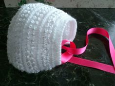 Bonnet for babies  1 to 3 months handwoven wool by MyLilyPop, €10.00
