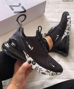 Nike Air Max 270 Shoes Air Max 270 SE Floral,Air Max 270 - Aflamico The Effective Pictures We Offer You About beauty tips in hindi A quality pictur Tenis Nike Casual, Tenis Nike Air Max, Nike Air Shoes, Cool Nike Shoes, Cool Nikes, Most Popular Nike Shoes, Souliers Nike, Urban Apparel, Kicks Shoes