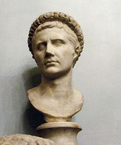 """Busto do """"Imperador Augustus""""."""