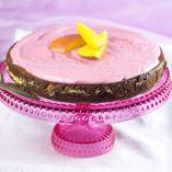 Mango-mansikkakakku Desserts, Food, Tailgate Desserts, Deserts, Essen, Postres, Meals, Dessert, Yemek