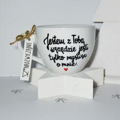 Idealny na zimowe herbatki  więcej na  Fb.com/nadzwyczajniedesign #jestem #dlaniego #walentynki #prezent #diy #handmade #kubek #dużykubek #napis #gift #pomysłnaprezent #kawa #coffee #coffeetime #herbata #wszędzie #on #ona #porcelana #nadzwyczajnie #nadzwyczajniedesign #walentynka #valentineday #mug by nadzwyczajniedesign