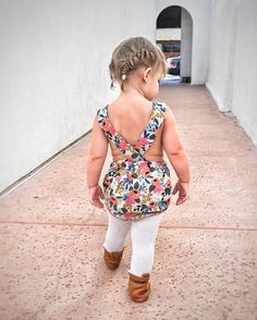 When it's 90° but you want it to be fall so bad  Playsuits are a great transition piece between seasons, because you can layer them! Playsuits (and more!) are available now! Link in profile. - - - - - - - -#kidsfashion #kidsstyle #handmade #momprenuer #momboss  #azblogger #phxblogger #blogger #thelifestylecollective #pursuepretty  #darlingmovement  #flashesofdelight #thehappynow #thatsdarling #livecolorfully  #dailyparenting #linenlove #linenkidswear #flaxandwoolkids