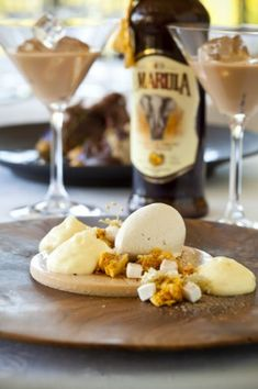 Amarula panna cotta with honeycomb and banana ice cream Custard Recipes, Ice Cream Recipes, No Cook Desserts, Dessert Recipes, Drink Recipes, Savoury Dishes, Food Dishes, Banana Ice Cream, Sweets Cake
