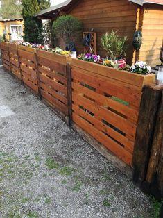 Best Indoor Garden Ideas for 2020 - Modern Diy Garden Fence, Backyard Fences, Backyard Landscaping, Garden Ideas, Cerca Diy, Pallet Exterior, Privacy Fence Designs, Diy Garden Furniture, Pallet Fence