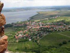 Ta jižní Morava je jistě krásná zem!   ~lbk~