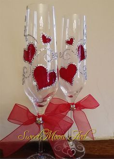 Valentine's Day champagne flutesWedding toasting by SweetMoonArt