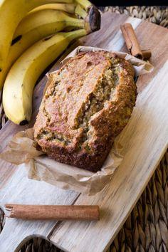 Saftiges Bananenbrot ohne Zucker & Mehl | Einfaches Rezept für Bananenbrot ohne Gluten und Zucker