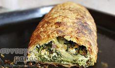 Υλικά: 1/2 δόση φύλλο σφολιάτας Για τη γέμιση: 1/2 κιλό σπανάκι (μόνο τα φύλλα) 2 πράσα (μόνο το άσπρο μέρος) 1 μεγάλο ξερό κρεμμύδι 2 φρέσκα κρεμμυδάκια 2-3 κουταλιές της σούπας άνηθο ψιλοκομμένο 1/3 φλυτζανιού του τσαγιού ελαιόλαδο 200 γρ. φέτα 2 αυγά αλάτι-πιπέρι Εκτέλεση: Ετοιμάζουμε τη ζύμη σφολιάτα. Καθαρίζουμε, πλένουμε πολύ καλά το σπανάκι [...] Spanakopita, Pizza, Turkey, Meat, Cooking, Ethnic Recipes, Food, Kitchen, Turkey Country
