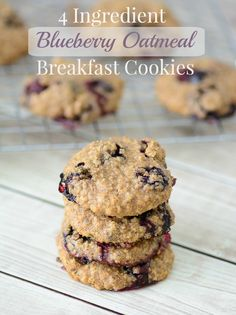 Blueberry Oatmeal Breakfast Cookies. Start your morning with a powerful combination of super foods with this delicious breakfast recipe! #ad #SamsClubMag