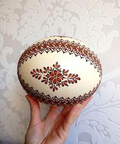 Ostereier - Ostrich Easter Egg verziert mit Wachs traditionell - ein Designerstück von VeryAndVery bei DaWanda