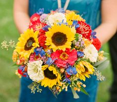 sunflower bouquet. floral design: Flower Station