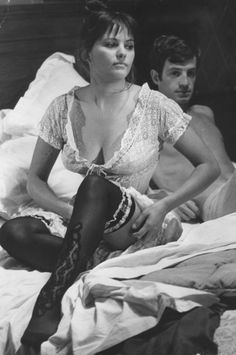 La Viaccia 1961, directed by Mauro Bolognini: Claudia Cardinale and Jean-Paul Belmondo