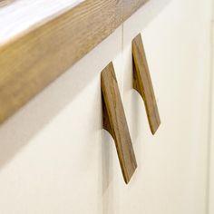 Kitchen Cabinet Pulls, Cabinet Handles, Door Handles, Wooden Drawer Pulls, Wooden Drawers, Natural Wood Furniture, Furniture Handles, Dresser Knobs, Beautiful Textures