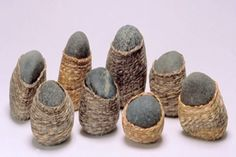 8 Wrapped Rocks by Cynthia Minden Stone Crafts, Rock Crafts, Arts And Crafts, Willow Weaving, Basket Weaving, Maori Designs, Bamboo Art, Stone Wrapping, Beach Art