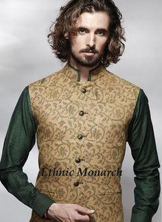 OUTSTANDING PRINTED JACKET Beige colour jacket with dark green floral print and stylish buttons