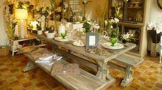 La marque Sia a vu le jour en 1963 alors que sa créatrice, Sonja Ingegerd Andersson, crée des fleurs en soie dans sa cuisine. Aujourd'hui, Sia est ...