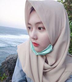 Hijaber Manja: Beautiful Hijaber Full of Smiles Casual Hijab Outfit, Hijab Chic, Video Hijab, Videos Online, Beautiful Hijab, Cute Asian Girls, Hijab Fashion, Like4like, Instagram