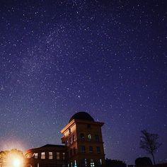 Instagram【syouggg】さんの写真をピンしています。 《2年ごしの西播磨天文台!😚 . ちなみに左上の白い塊 天の川の切れ端✨✨ 流れ星もいっぱい見れたしまた免許とったら来よ。 . . . #兵庫#西はりま天文台 #天の川#星空#星#絶景#空#流れ星 #夜景 #天体観測 #写真好きな人と繋がりたい #一眼レフ . . しんどい時とか悩み事がある時に自分にとって大事なのは無になる時間。綺麗な景色はその無になる時間を作ってくれる。》