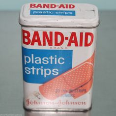 Vintage Band-aid plastic strips metal tin - Johnson & Johnson Retro Hinged Lid #JohnsonJohnson