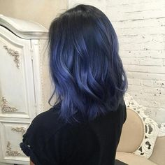 33 trendy ombre hair color ideas of 2019 - Hairstyles Trends Dark Blue Hair, Blue Ombre Hair, Short Blue Hair, Smokey Blue Hair, Denim Blue Hair, Silver Blue Hair, Midnight Blue Hair, Short Dyed Hair, Navy Hair