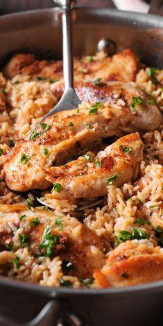 Chicken with Garlic Parmesan Rice Dinner Pasta – Dinner Recipes Italian Chicken Pasta, Chicken Rice, Garlic Chicken, Keto Chicken, Quick Chicken Dishes, Cheesy Chicken Pasta, Quick Chicken Recipes, Sesame Chicken, Chicken Casserole