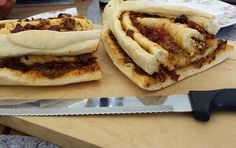 Die Hobbykochbäcker: Tomaten-Pesto-Baguette