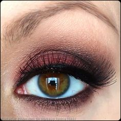 By Makeup Junkie Nikki. Glamour & Drama #DramaticEyes #GoingOut #Lashes @bloomdotcom