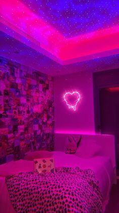 Indie Room Decor, Cute Bedroom Decor, Room Design Bedroom, Teen Room Decor, Room Ideas Bedroom, Bedroom Inspo, Neon Bedroom, Neon Lights Bedroom, Bedroom Décor
