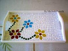Resultado de imagen para bandeja com mosaico Mosaic Tray, Mirror Mosaic, Diy And Crafts, Wood, Flowers, Fun, Vintage, Home Decor, Trays
