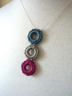 Suzi of the Stars: Crocheted Circle Necklaces