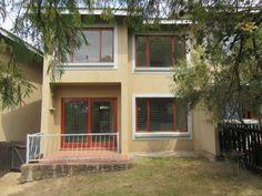 2 Bedroom Townhouse to rent in Paulshof - Sandton Roof Tiles, Wall Tiles, Guest Toilet, Plaster Walls, Private Garden, Property For Rent, Open Plan Kitchen, Reception Rooms, Ground Floor