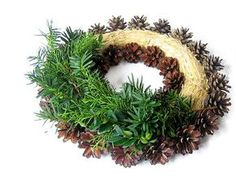 Grave Decorations, Christmas Decorations To Make, Christmas Wreaths, Holiday Decor, Christmas Time, Xmas, Advent Wreath, Arte Floral, Ikebana
