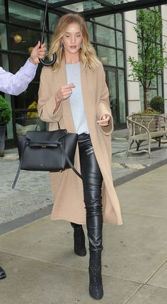 Get Rosie Huntington-Whiteley's Flawless Casual Street Style - Get Rosie Huntington-Whiteley's Flawless Casual Street Style Source by klarasnsimages - Rosie Huntington Whiteley, Mode Outfits, Stylish Outfits, Fashion Outfits, Winter Stil, Fall Outfits For Work, Casual Street Style, Minimal Fashion, Look Fashion