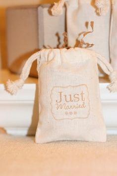 muslin favor bags JUST MARRIEDx10 muslin wedding di papermoonbyKAT, $12.00