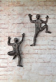 Climbing figure - metal wall art - unique gift - wire mesh sculpture - sport art set of 2 climbers! this unique sculpture of climbing men is one of a kind Metal Tree Wall Art, Metal Art, Wall Sculptures, Sculpture Art, 3d Prints, Sports Art, Wire Art, Metal Walls, Poses