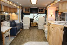 2003 Ultimate Freedom by Winnebago Wood Cabinet Doors, Wood Cabinets, Double Door Refrigerator, Full Body Paint, Gas Generator, Electric Awning, Fibreglass Roof, Used Rvs, Fresh Water Tank