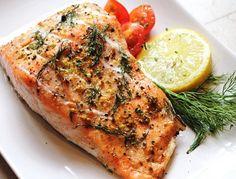 Нежный ароматный лосось, запеченный в духовке с разнообразными специями – изысканное блюдо за полчаса