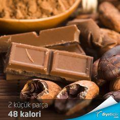 Çikolatayı ne kadar çok sevdiğini biliyoruz :)  Bu Pazartesiyi sendromsuz geçirmek için iki küçük parça bitter çikolata yiyebilirsin ;)