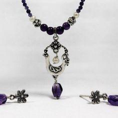 Collar ave primavera chica con piedras. Diseñado por Joyería Citlali